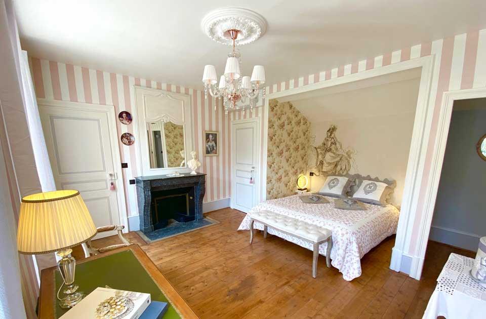 """Chateau des Janroux : chambre """"La comtesse"""""""