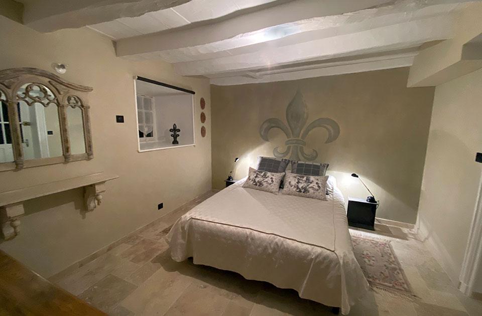 """Chateau des Janroux : chambre """"La fleur de Lys"""""""